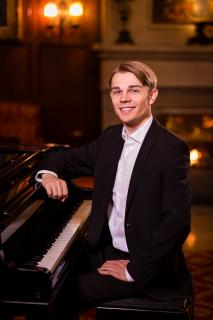 Nicolai Jan Huebner